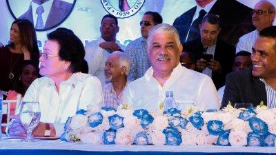 Miguel Vargas dice el PRD crece; juramenta nuevos miembros en Bonao
