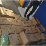 PN y MP apresan dos personas que pretendían distribuir decenas de cajas con botellas de ron adulterado en Mao.