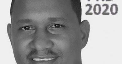 """PRD escoge a """"Carlitos Pollo"""" candidato a síndico Jaquimeyes; juramenta del PRM y PRSC en su fila"""
