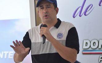 Víctor Suárez anuncia respaldo proyecto presidencial de Domínguez Brito