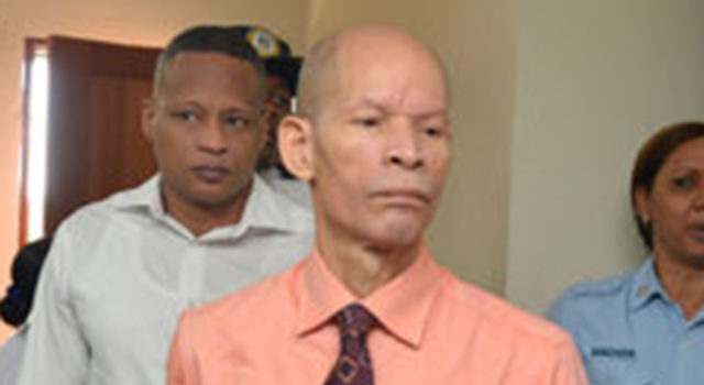 Descargan al doctor Julio Gómez de la muerte de  atracador