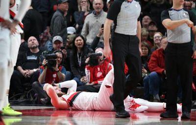 Nurkic se lesiona, Blazers ganan a Nets en 2do tiempo extra