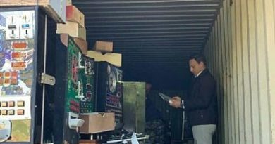 Procurador realiza allanamiento en centro de acopio y distribución de máquinas tragamonedas