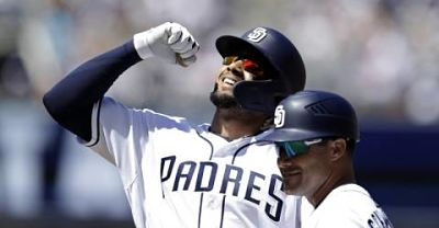 Tatis Jr consigue dos hits en su debut en Grandes Ligas; Machado no conecta imparable
