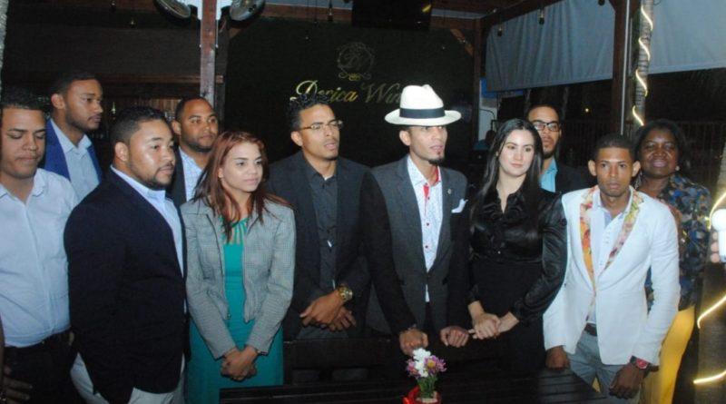 Jóvenes aspirantes a regidores del municipio SDEpor varios partidos buscan convivencia y paz en campaña electoral
