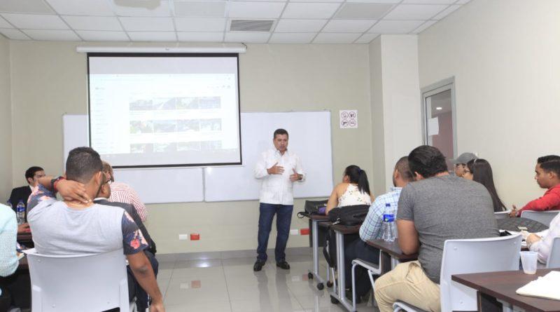 Presentan proyecto RD2044 a estudiantes de Intec