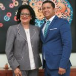Rector Milton Reyes recibe visita senadora Cristina Lizardo.
