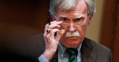 """""""Todos los ojos están sobre usted"""": La amenaza de John Bolton al ministro de Defensa de Venezuela"""