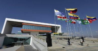 """Argentina abandona la Unasur por su """"alto contenido ideológico"""""""