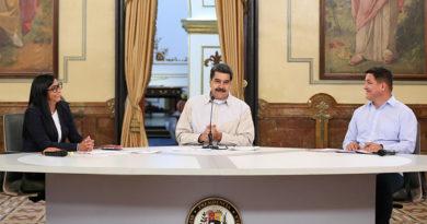 """Maduro resalta que tiene todo """"el control del Gobierno"""" después de tres meses de la autojuramentación de Guaidó"""