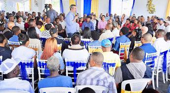 ATENCIÓN: Abinader dice que incumplimiento de ley mantiene problemas país