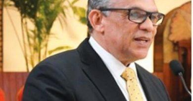 ATENCIÓN : Ministro explica ventajas de premiación
