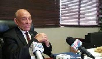 """ATENCIÓN : Senador Rafael Calderón defiende: """"no hay ni una pizca"""" de dictadura en la familia del presidente Danilo Medina."""