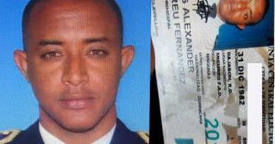 ATENCION ; Oficial se suicida en Santo Domingo Este.