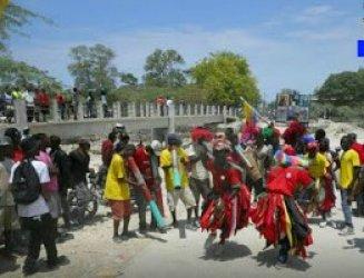 Impiden a grupo de gagá penetrar al mercado fronterizo en Pedernales