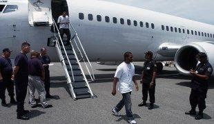 LLEGAN LOS MONTROS MEN ! ; Deportan de EE. UU. 72 dominicanos cumplieron penas por diferentes delitos