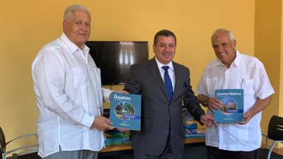 Leonel Fernández comparte su visión de futuro en infraestructura con expresidentes de Colombia y Panamá