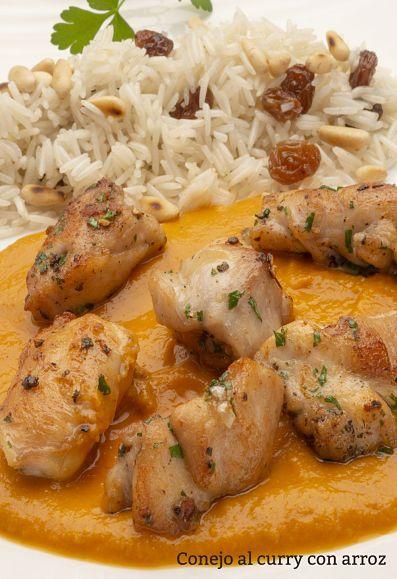 MUY RICO: Conejo al curry con arroz