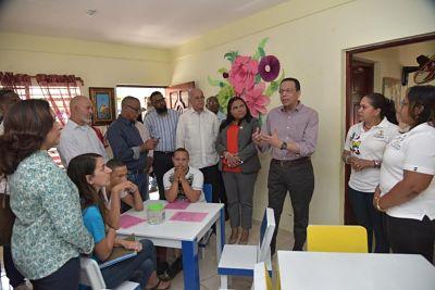 Ministro de Educación, Antonio Peña Mirabal, lleva soluciones puntuales a centros educativos de la provincia Hermanas Mirabal