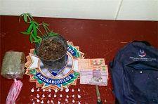NO ESTAN JUGANDO ; Antinarcoticos detiene hombre con mochila de drogas en Villa Riva