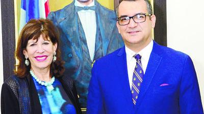 OJO: Embajadora EEUU hace visita al presidente del TSE