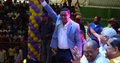 SIGUEN SALIENDO REELECCIONISTAS; Diputado Tulio Jiménez pide al presidente Medina escuchar clamor del pueblo.