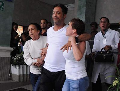 SUERTE PARA ÉL ;Carlos Silver habría tratado de lanzarse del 4 piso de la clínica Doctor Cruz Jiminián