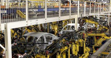 Empresas industriales chinas ganan 14% más interanual pero caen en trimestre