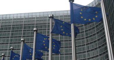 UE amenaza con imponer aranceles a productos de EE.UU. por sus subsidios a Boeing