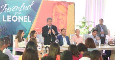 Leonel Fernández dice seguridad ciudadana será de alta prioridad en un próximo gobierno