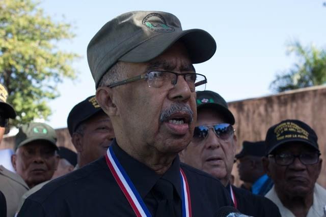 Militares constitucionalistas marcharán al Congreso el 30 para exigir respeto a la Constitución
