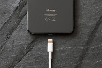 Los nuevos iPhone podrían venir con cargador rápido y cable USB a Lightning