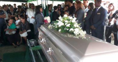Sepultan restos de la madre de Yatnna Rivera; familiares piden justicia