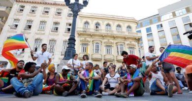 La policía cubana reprime una marcha por los derechos LGTBI en La Habana