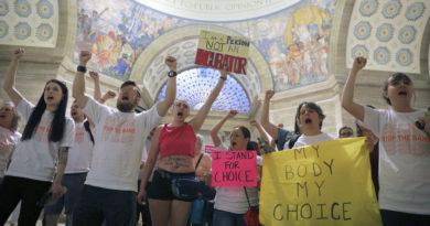 """La Cámara de Representantes de Misuri aprueba """"la ley más fuerte"""" de EE.UU. contra el aborto"""