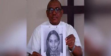 ATENCIÓN :Apresan mujer estafó con $600 mil a dos iglesias en Herrera