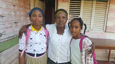 ATENCIÓN:Madre e hijas de joven asesinada en Argentina piden ayuda a Cancillería para traer su cadáver.