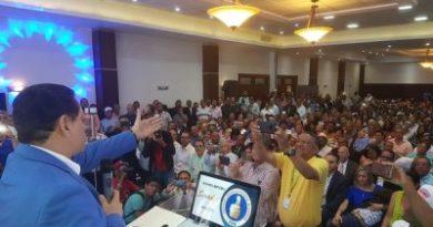 Daniel Rivera promete legislar a favor del empleo al presentar candidatura a Senador del PRM en Santiago