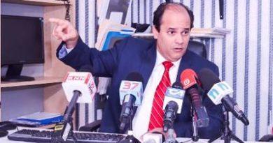 """ESPAILLAT: Dice democracia dominicana agoniza por """"ambición desmedida del PLD"""""""
