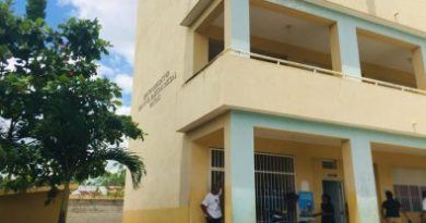 Educación dispone asistencia a dos estudiantes heridos por desprendimiento de pañete en escuela de Cotuí