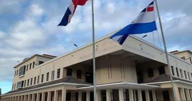 Envían a la justicia 2 estudiantes obligaron compañera a realizarle sexo oral en un centro educativo de Villa Isabela.