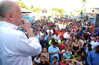 Francisco Domínguez Brito encabeza recorrido por Santo Domingo Norte