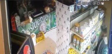 Hombre queda captado robando en un supermercado de Villa Riva la PN lo apresa