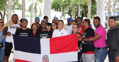 Grupo de 63 jóvenes peregrinos contra reforma llegan a Bonao