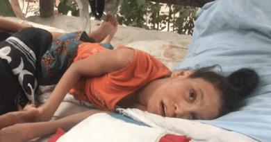 Madre de joven con parálisis cerebral solicita ayuda
