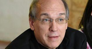Obispo arremete contra disposición del Minerd
