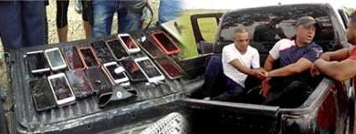 PN apresa a dos hombres con numerosos celulares robados