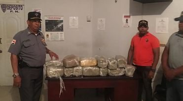 PN ocupa 13 paquetes de marihuana en jepeta; apresa dos personas
