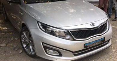 Policía Municipal de SFM entrega a la Policía Nacional vehículo no ha reclamado por el propietario