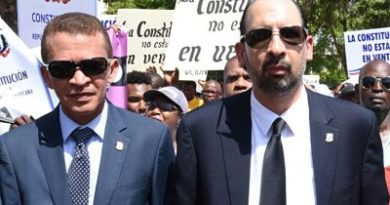 SE APRIETAN LAS COSAS: Diputados que siguen a Leonel Fernández firman documento en defensa de la Constitución